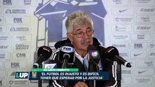 Ricardo Ferreti y Diego Alonso en conferencia de prensa