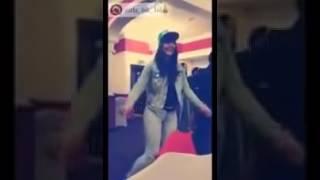 شابة جزائرية مريولة ترقص Way Way 2017 هبال بزاف
