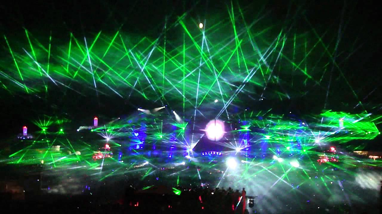 3d Hologram Hd Wallpaper Tomorrowland 2012 Skrillex Final Show Laser Amp Fireworks Hd