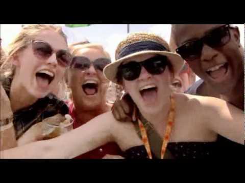 Смотреть клип N-Dubz - Love Live Life