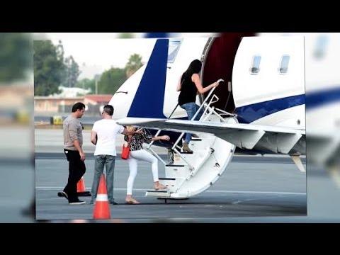Simon Cowell and Lauren Silverman Jet Out of Los Angeles - Splash News | Splash News TV