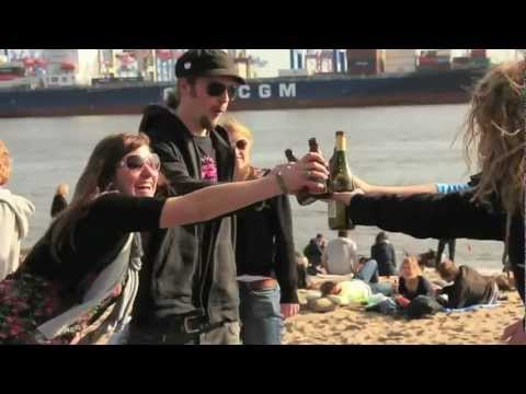 Neonschwarz - On a Journey  (Official Video)