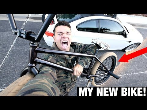 BUILDING MY BRAND NEW CAMO + BLACK BMX BIKE!!