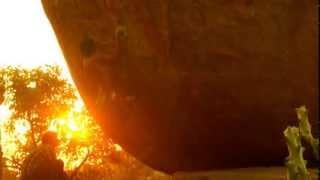 Ajij Shaikh trying Middle Way 8a boulder @Hampi