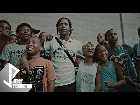 Lil Durk Visits Chicago and Gives Back to the Community (Sho