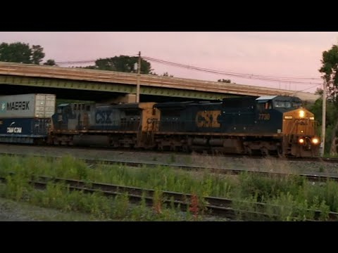 CSX Q? Intermodal Train At The State Fairgrounds In Syracuse, NY 6-29-18