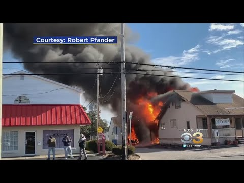 David Fisch - Mystery Man With a Ladder Rescues Two People From a Fire!