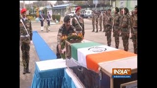 Tribute paid to Army Major, martyred while trying to diffuse the IED along LoC