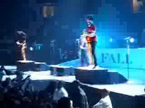 Fall Out Boy - Honorable Mention [Live]