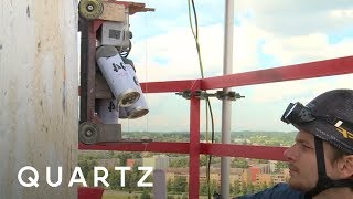 This robot can spray paint giant murals