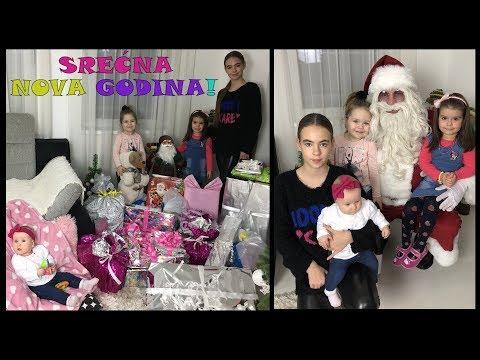 Otvaramo Novogodišnje Poklone + Žurka Sa Deda Mrazom!!!