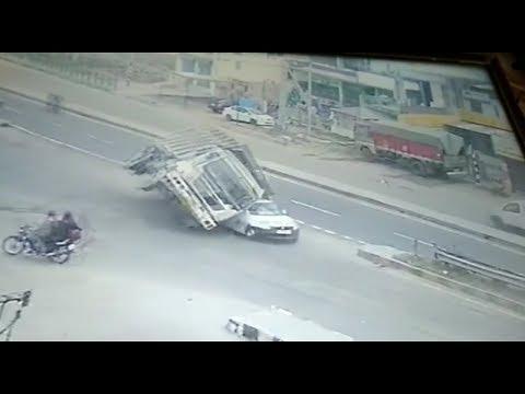 Live accident  on CCTV