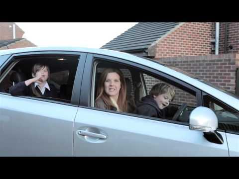 Mum Nadine takes the Toyota Prius+ on the school run