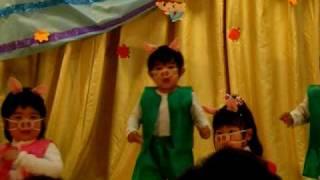 満田颯の桧内幼稚園での保育園際での発表は子ブタさんの踊り.