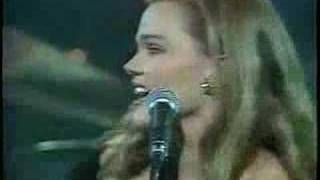 Belinda Carlisle Heaven Is A Place On Earth Live 87