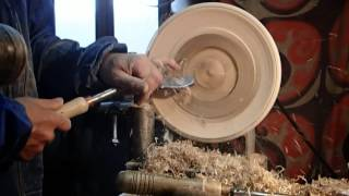 Woodturning - Making A Wood Plates (strungar In Lemn Din Sighetu Marmatiei, Maramures)