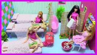 Barbie Ken Làm Nhân Viên Mát Xa (Tập 1) Barbie Nikki Đi Mát Xa Chân Bằng Slime ĐỒ CHƠI TRẺ Chị Bí Đỏ