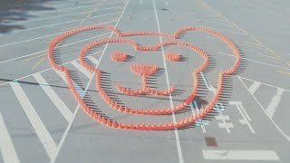 """今年も東京ディズニーリゾートの駐車場に、""""大きなコーンアート""""三角形..."""
