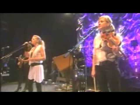 """""""Top of the World"""" by the Dixie Chicks in Shepherds Bush"""