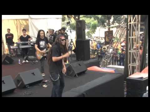 Boys N Root Live at Parkir Timur Senayan Full