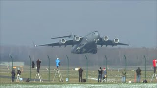 [HD] USAF Boeing C-17 Globemaster powerful takeoff at Zurich Airport - 23/01/2016