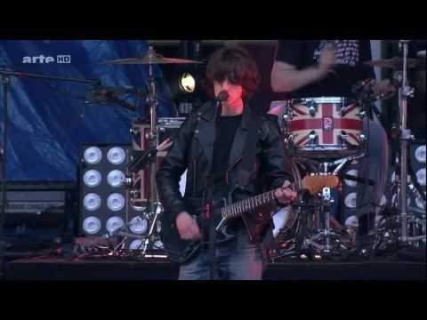 Arctic Monkeys - Fluorescent Adolescent & When The Sun Goes Down Live @ Hurricane Festival 2011