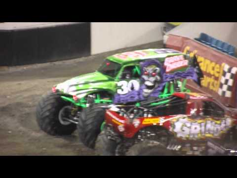 Monster Jam Jacksonville 2012 Grave Digger FreeStyle
