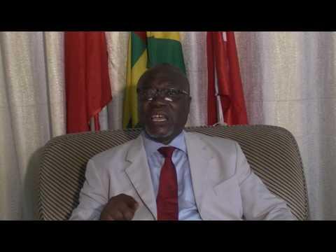 Lawson Laurent 1er Secrétaire du Parti Social Démocrate du Togo au micro de Karine de TV7