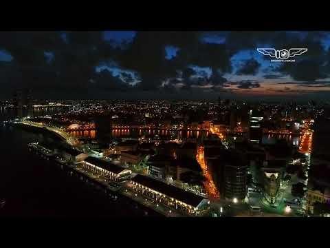 A Capital Recife a noite filmado com o drone muito lindo
