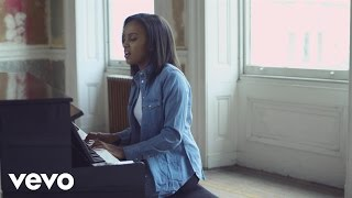 Ruth B - Superficial Love (Mahogany Session)