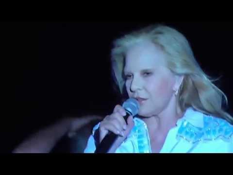 Sylvie Vartan - Mister John B. (Live) @ Bandol 27/07/14 HD