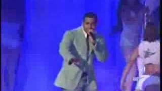 Wisin y yandel ft. Romeo - Mirala bien Noche de sexo N vivo