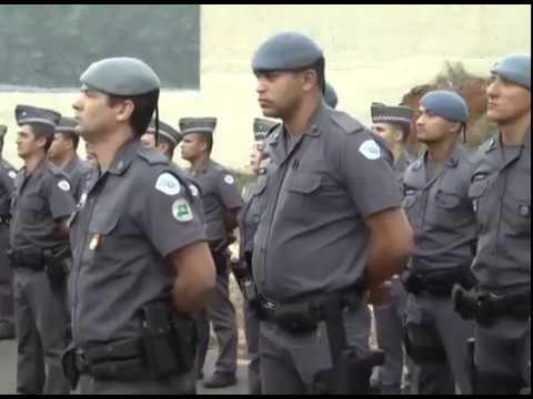 POSSE OFICIAL DE NOVO COMANDANTE REÚNE POLICIAIS DA REGIÃO