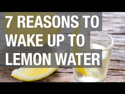 7 Reasons to Wake Up to Lemon Water