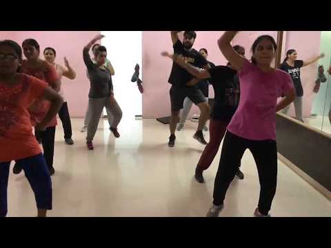 Morni Banke | Bhangra Dance | Guru Randhawa | Neha Kakkar | Badhaai Ho | Fit N Fab, Bathinda