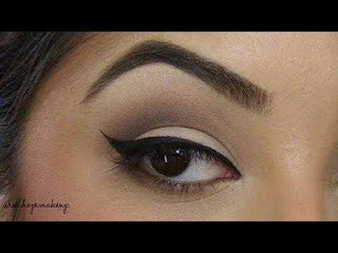 BASICS: Winged Eye Liner - YouTube