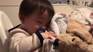 【生後10ヶ月】ご飯中に睡魔に襲われる息子が可愛すぎた。。。。。。。。 thumbnail