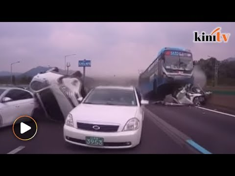 Horrific pile-up on Seoul-Busan highway kills two