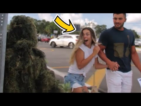 BUSHMAN PRANK AT JOHN MAYER CONCERT