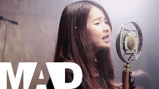 ปลิว (Away) - PLOYCHOMPOO (Cover) | MadpuppetStudio Feat.Kanomroo