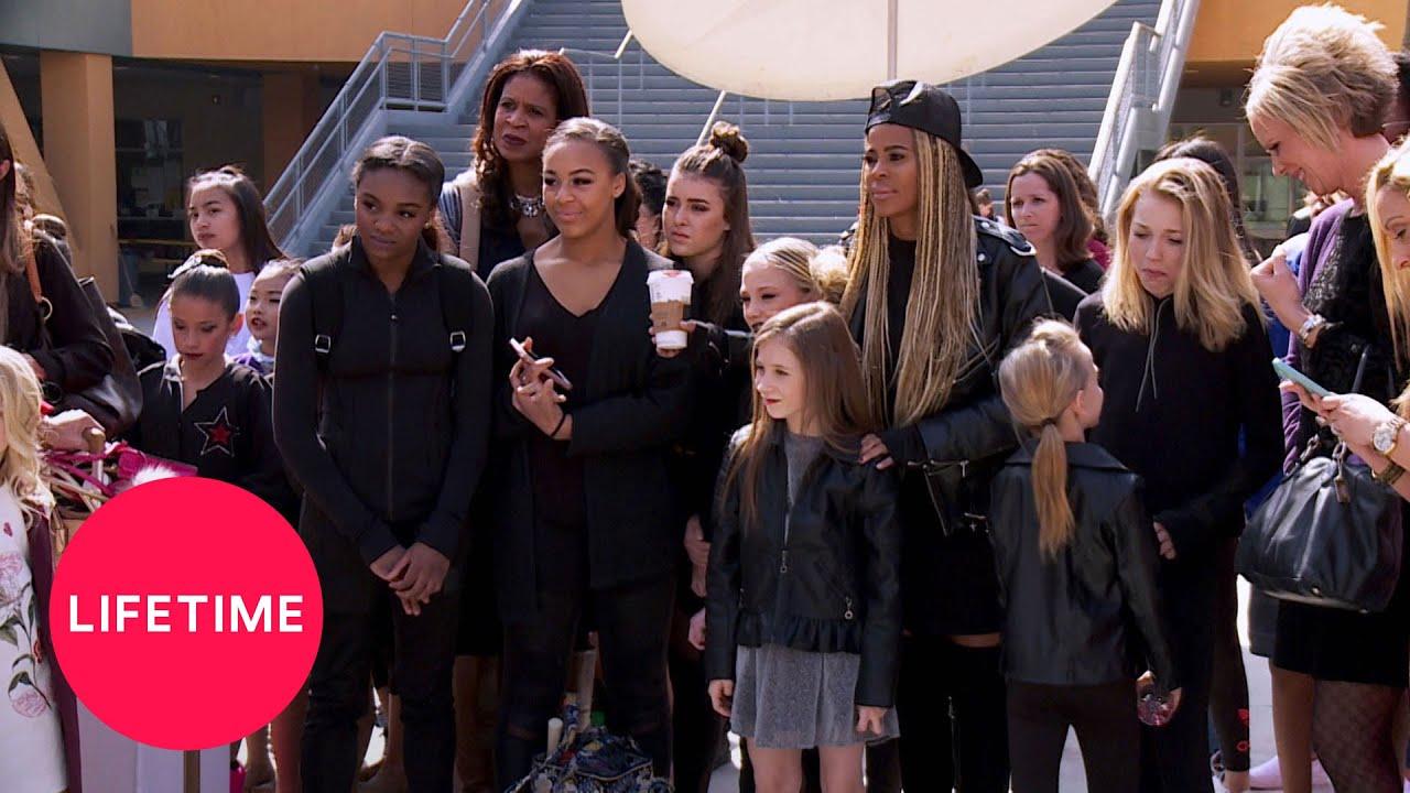 Download Dance Moms: Moms' Take: Chloe's Back! (Season 7, Episode 17) | Lifetime