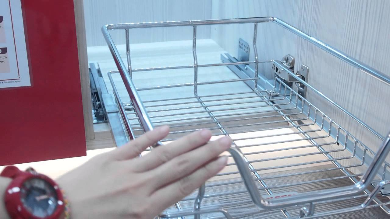E011S-EXCEL-SOFT CLOSING PULL OUT WIRE BASKE - YouTube