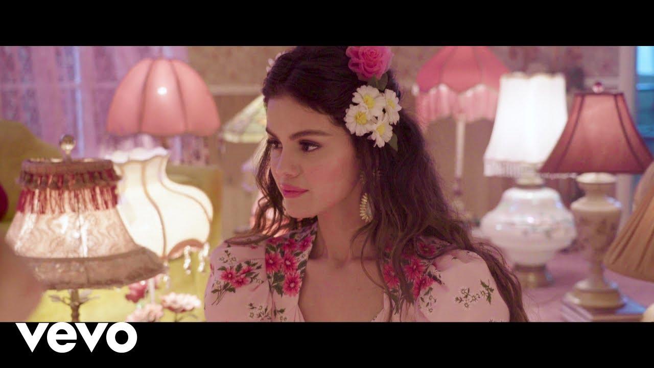 Selena Gomez - De Una Vez (Behind The Scenes)
