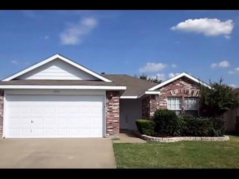 Houses for rent in dallas watauga house 3br 2ba by property management in dallas youtube for 3 bedroom houses for rent in dallas tx
