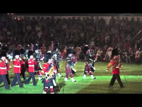 2011 Fergus Tattoo 48th Highlanders Pipes & Drums 2 of 2