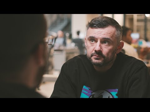 GaryVee on Minimalism, Hustle & Finding Meaning