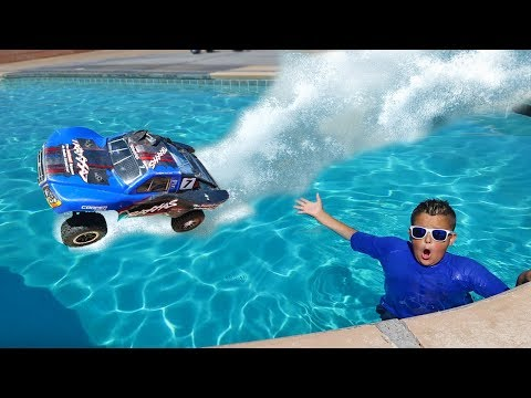 Thumbnail: RC Car Driving On Water Challenge!!
