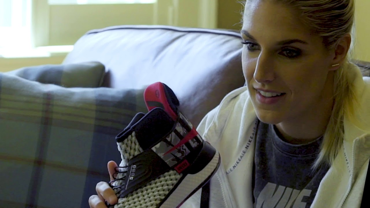 rápido Siesta paquete  Air Zoom UNVRS With New FlyEase Technology | Nike - YouTube