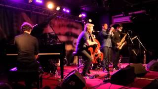 Kyle Eastwood Quintet - Prosecco Smile / Bullet Train (New Morning - Paris - July 25th 2015)
