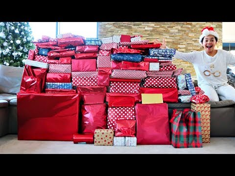 TIANA AND FAMILY CHRISTMAS MORNING OPENING PRESENTS! 2019
